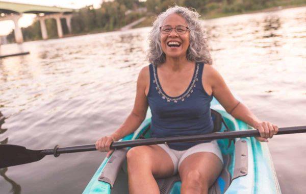 active-woman-kayak-minneapolis