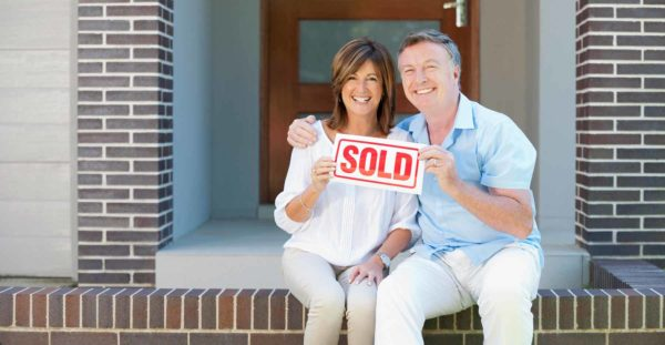 empty-nesters-selling-house